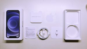 iPhone 12 mini 隨機配件